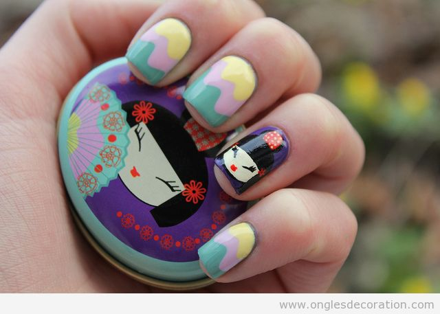 Dessin sur ongles japanaise poupées