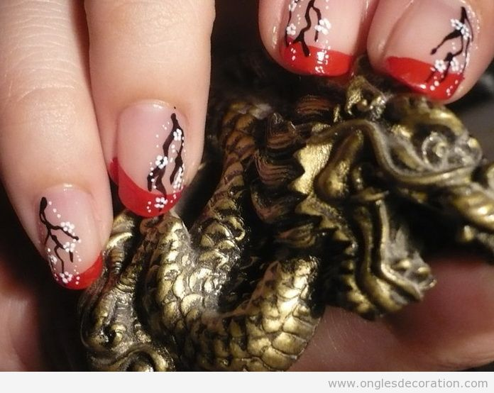 Déco sur les ongles style chinois