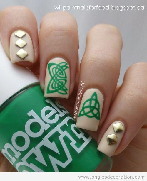 Dessin sur ongles avec nodeds celtiques