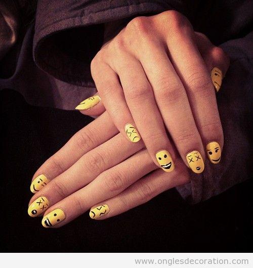 Déco sur ongles avec des smileys