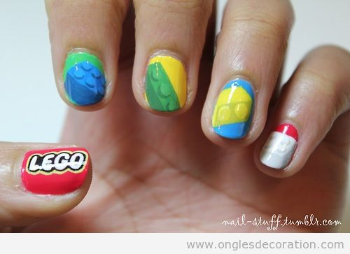 Déco sur ongles Lego