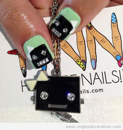 nail-art-deco-ongles-robot