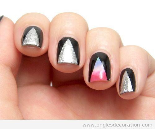Déco sur ongles, triangle degradé sur fond noir, hipster