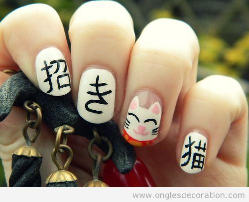 Dessin sur ongles, chat japonais, maneki neki