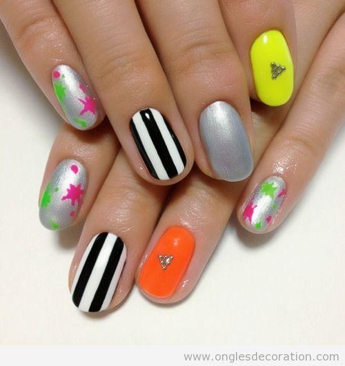 Dessin sur ongles à rayures, metallique et neon