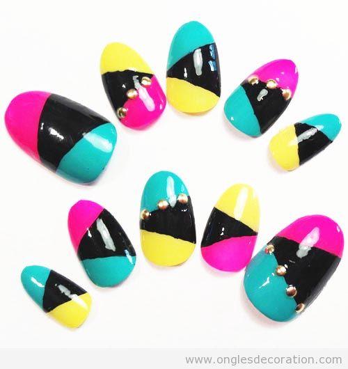 Déco sur ongles, color block, couleurs en néon