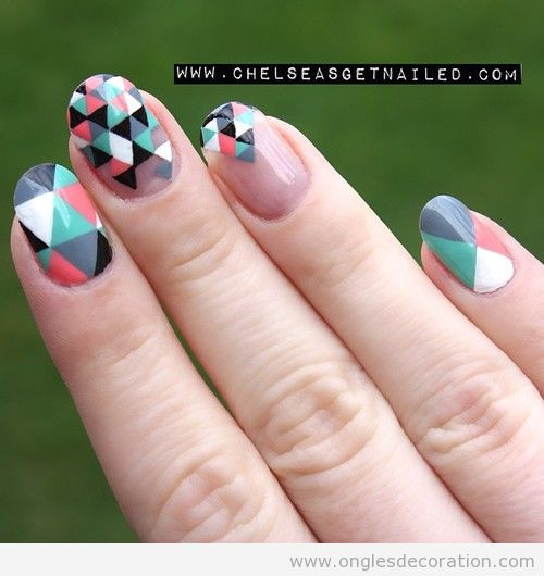 triangles d coration d 39 ongles nail art. Black Bedroom Furniture Sets. Home Design Ideas