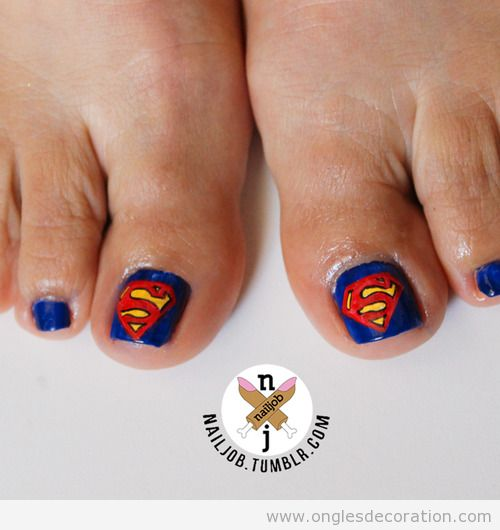 Dessin sur ongles des pieds, Superman