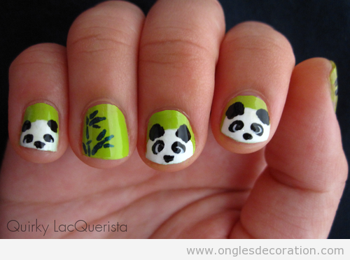 Dessin sur ongles, ourse panda simple