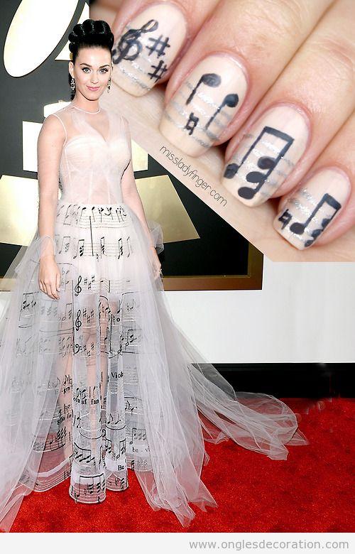 Dessin ongles inspiré veste Kate Perry grammys 14, notes de musique