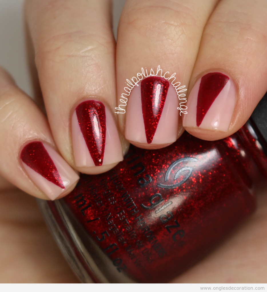 Dessin ongles triangle rouge, canine vampir