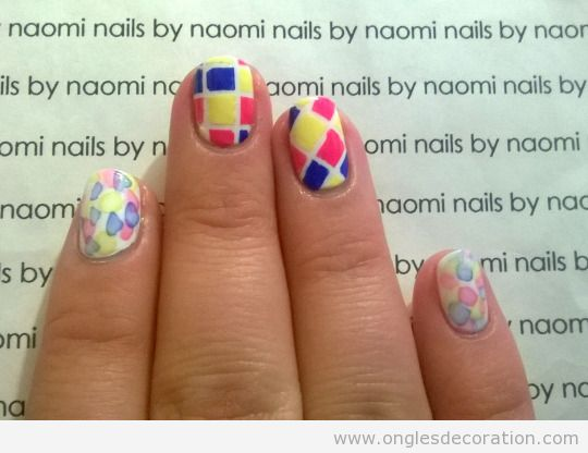 Tuto déco ongles mosaïque carré, pas 4