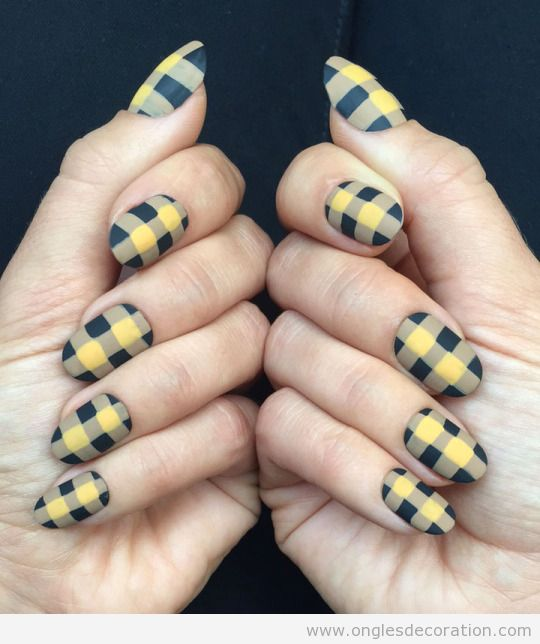 2 Dessin ongles motif à carreaux, mode automne 2015