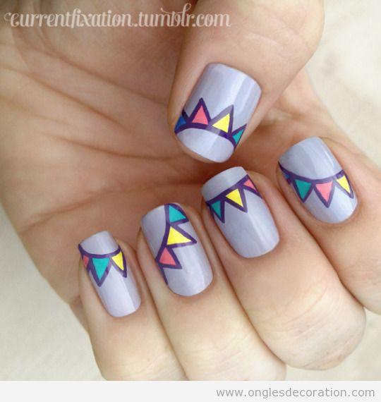 Dessin sur ongles, guirlande de couleurs