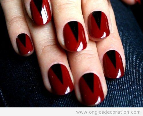 Manucure sombre en rouge et noir, Halloween 2