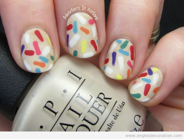 Déco ongles anniversaire confetti 2