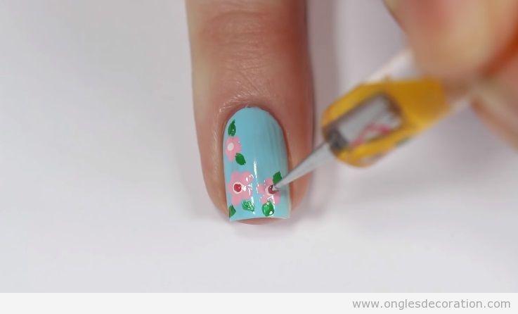 Déco ongles printemps fleur cerisier