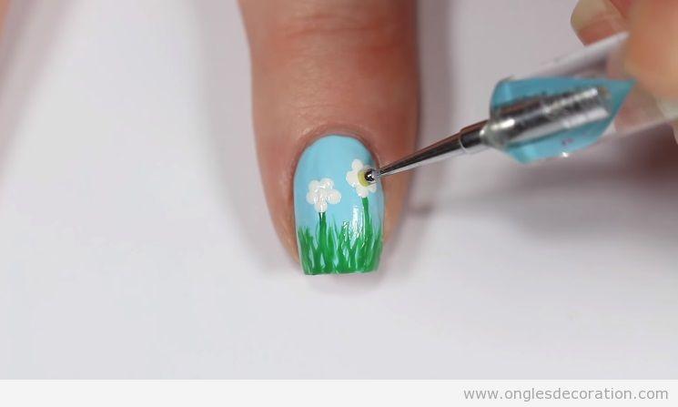 Déco ongles printemps marguerites